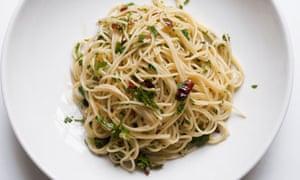 nigel slater spaghettini aglio e olio