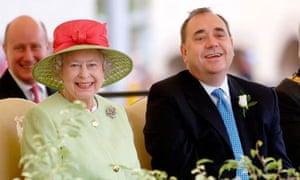 Queen opens Scottish Parliament