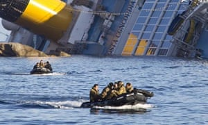 wreck-of-costa-concordia-dinghies