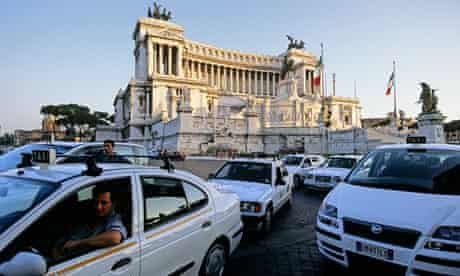 Taxi stand, National Monument Vittorio Emanuele II, Piazza Venezia, Rome, Lazio, Italy, Europe