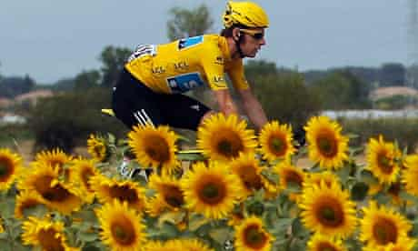 braasdll;ey wiggins in yellow jersey with sunflowers