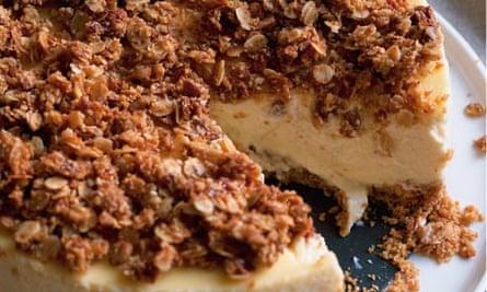 Sweet oat cheesecake