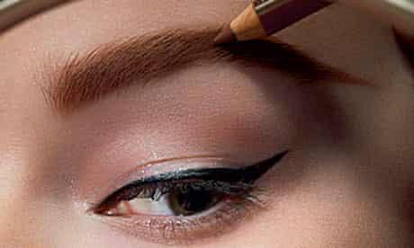 eyebrow make-up