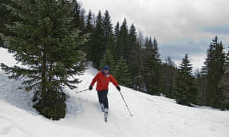 Peter Beaumont skiing off-piste on La Dole