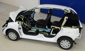 Car That Runs On Air >> Peugeot S Hybrid Air The Car Of The Future That Runs On Air