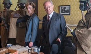 DCI Christopher Foyle with Honeysuckle Weeks as Samantha
