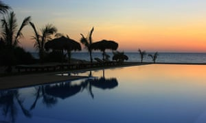 The inifinity pool at Palagama Beach at sunset