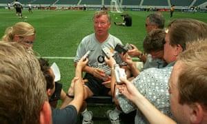 Alex Ferguson speaks to the media in Philadelphia
