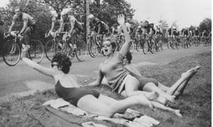 Sunbathing Tour de France spectators