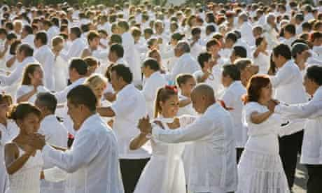 Mexicans dance to the rhythm of danzon