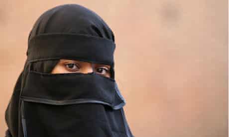 Woman in muslim attire, London, Britain - Oct 2006