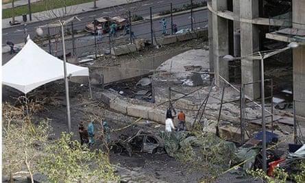 Lebanese police examine bomb scene