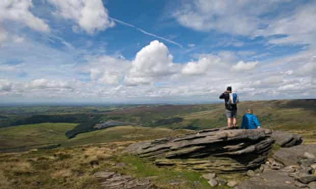 Looking towards Kinder Reservoir from the Pennine way