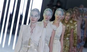 Alexander McQueen: Runway - Paris Fashion Week Spring / Summer 2012