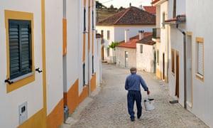 Vilas Ruivas, Portugal