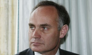 Crispin Blunt has said the government may give rape defendants anonymity until charged