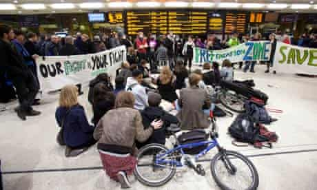 A 'public lecture' in King's Cross train station by students protesting at cuts to the EMA