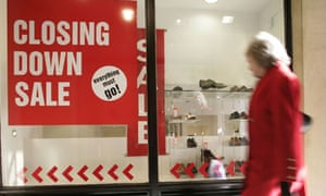 High street shop holds a closing down sale