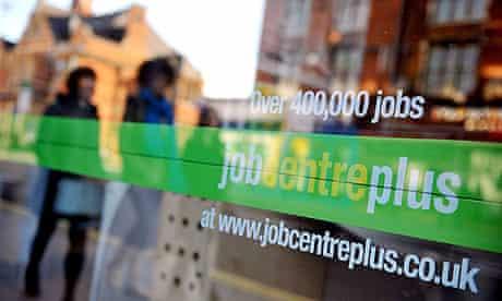 Unemployment figures rise in Britain
