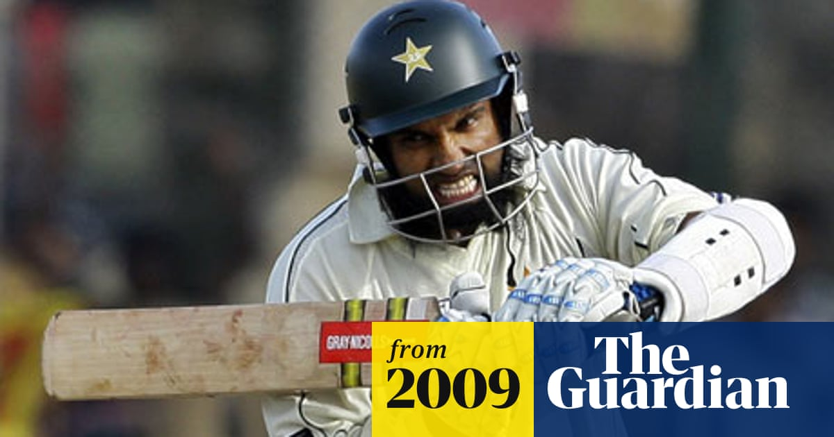 Mohammad Yousuf returns for Pakistan in style against Sri