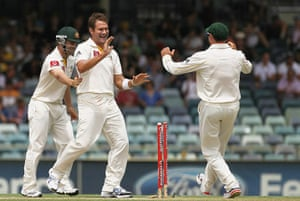 Ashes 2010: Ryan Harris celebrates the wicket of Jimmy Anderson