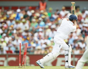 Ashes 2010: Graeme Swann is bowled by Mitchell Johnson