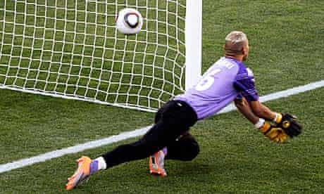 Algeria goalkeeper Faouzi Chaouchi