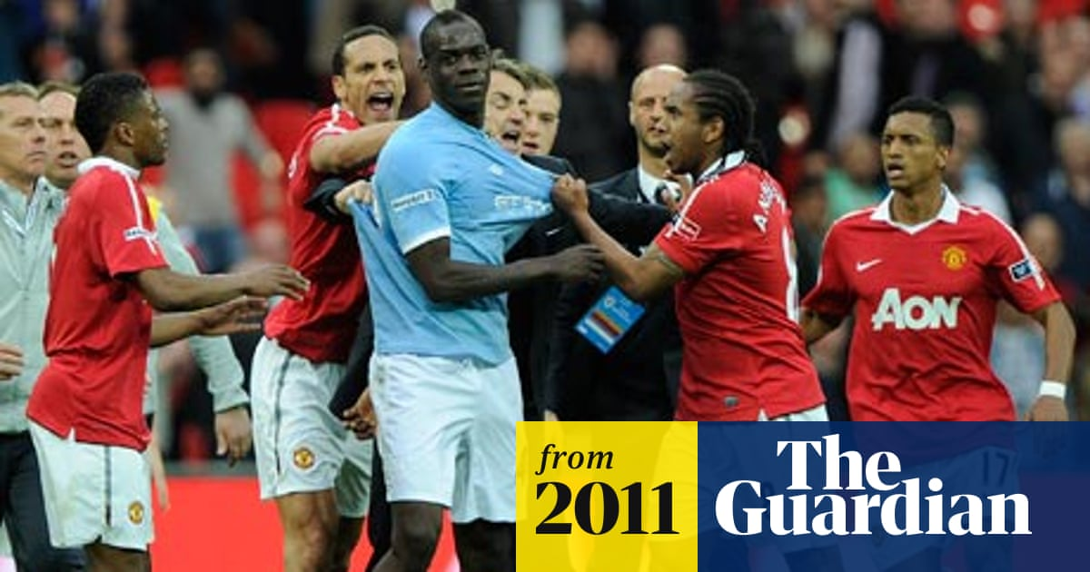 Manchester United To Escape Fa Action Over Wembley Dressing Room Damage Manchester United The Guardian