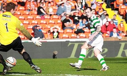 Celtic's Anthony Stokes scores against Dundee United