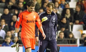 b7eec6b43 Broken hand may keep Real Madrid s Casillas out of Manchester United ...