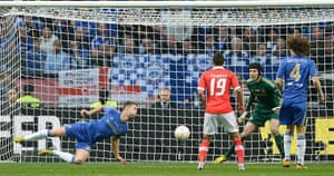 Benfica v Chelsea 4: Chelsea 's Gary Cahill saves a shot
