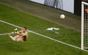 Benfica v Chelsea 8: football