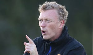 David Moyes at Manchester United training in preparation for the game against Bayer Leverkusen