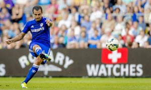 Chelsea's Cesc Fabregas scores from a free-kick to put his side 2-0 up against Vitesse Arnhem on Wed