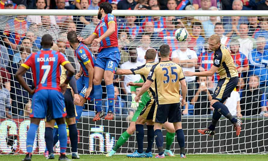 Crystal Palace's Mile Jedinak scores his side's second goal against Leicester in the Premier League