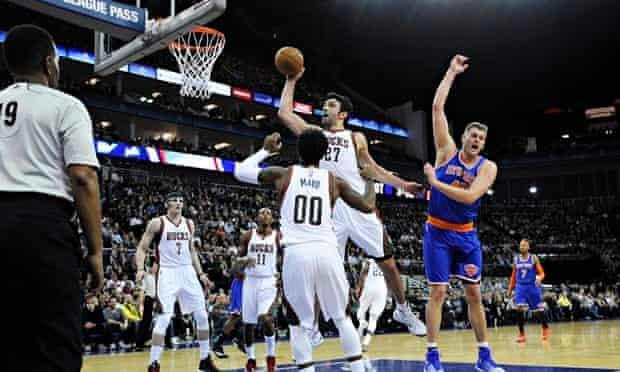 Milwaukee Bucks v New York Knicks