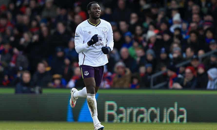 Everton's Romelu Lukaku celebrates scoring against Crystal Palace in the Premier League