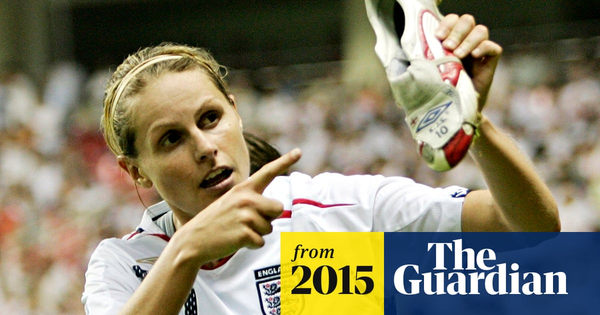 England women's record goalscorer Kelly Smith retires from