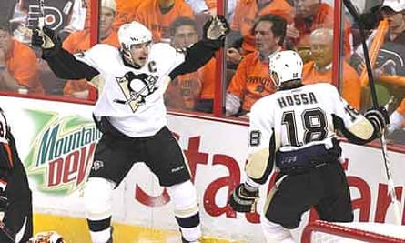 Sidney Crosby and Marian Hossa of the Pittsburgh Penguins