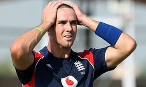 Kevin Pietersen holds his head