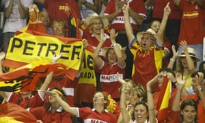 Fans celebrate Spain's victory over Argentina in the Davis Cup final