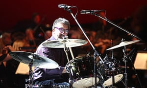 Eddie Jordan plays the drums