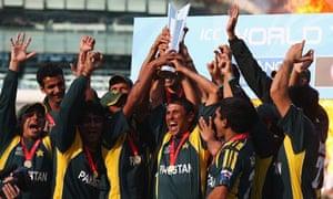 Pakistan celebrate winning World Twenty20
