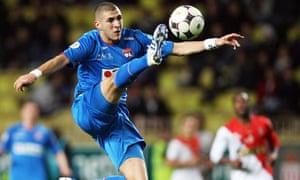 Lyon's forward Karim Benzema controls th