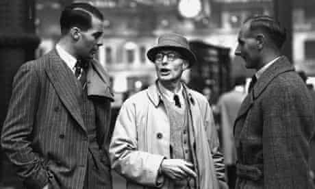 Kenneth Farnes of England, left, with his father, centre, and Hedley Verity
