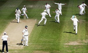 Michael Kasprowicz out at Edgbaston 2005: Second Test: England v Australia