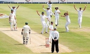 Ryan Sidebottom leads the England appeals for the wicket of Graeme Smith, who was given not out