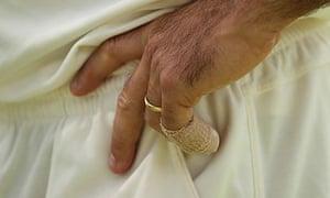 Australia's Ricky Ponting with his broken little finger