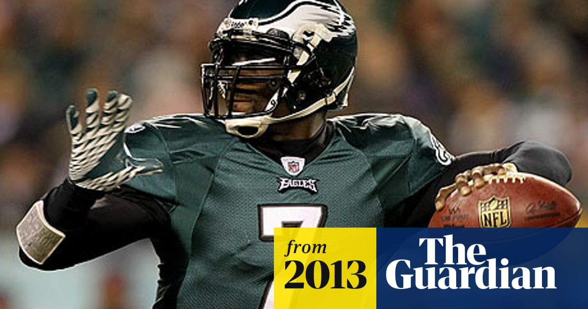 reputable site cc662 a07ef Michael Vick to stay at Philadelphia Eagles with ...