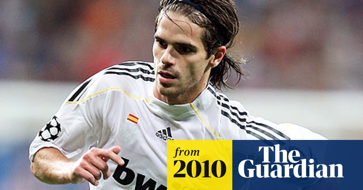 Manchester City Still Want To Sign Fernando Gago From Real Madrid